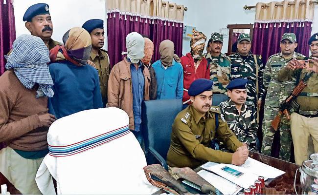 बिहार: जमुई से 7 नक्सली गिरफ्तार, बना रहे थे बड़ी वारदात को अंजाम देने का प्लान