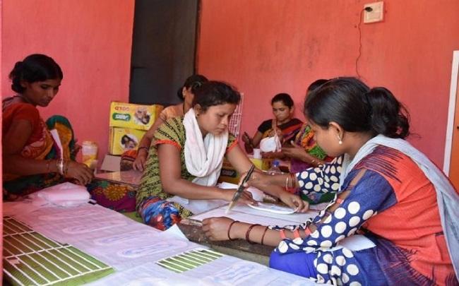छत्तीसगढ़: स्वास्थ्य के प्रति जागरूक होतीं नक्सल प्रभावित इलाकों की महिलाएं, बन रही है मिसाल