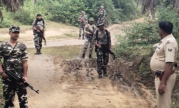 बिहार: गया के नक्सल प्रभावित इलाकों में पुलिस ने चलाया कॉम्बिंग ऑपरेशन