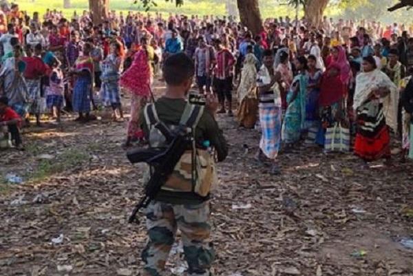 छत्तीसगढ़: बस्तर के धुर नक्सल प्रभावित गांव में लोगों ने पुलिस कैंप खोलने की मांग की