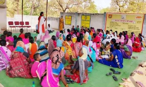 सरकार की पहल ने तोड़ी नक्सलवाद की कमर, विकास कार्यों में बढ़ी महिलाओं की भागीदारी